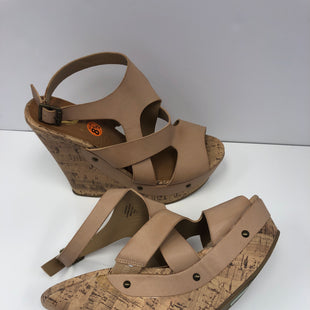 Primary Photo - BRAND: GUESS STYLE: SANDALS LOW COLOR: TAN SIZE: 8.5 SKU: 198-19812-16630