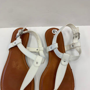 Primary Photo - BRAND: GIANNI BINI STYLE: SANDALS FLAT COLOR: WHITE SIZE: 8.5 SKU: 198-19888-23138