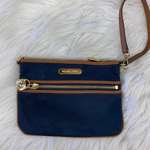 Primary Photo - BRAND: MICHAEL KORS STYLE: WRISTLET COLOR: NAVY NYLONSKU: 198-19888-23621