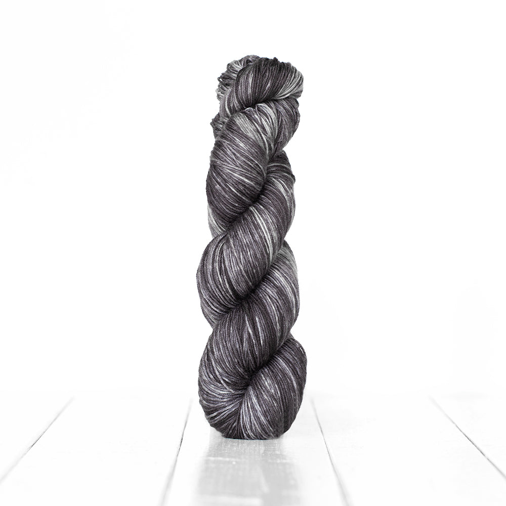 Monokrom Fingering Self Striping by Urth Yarns