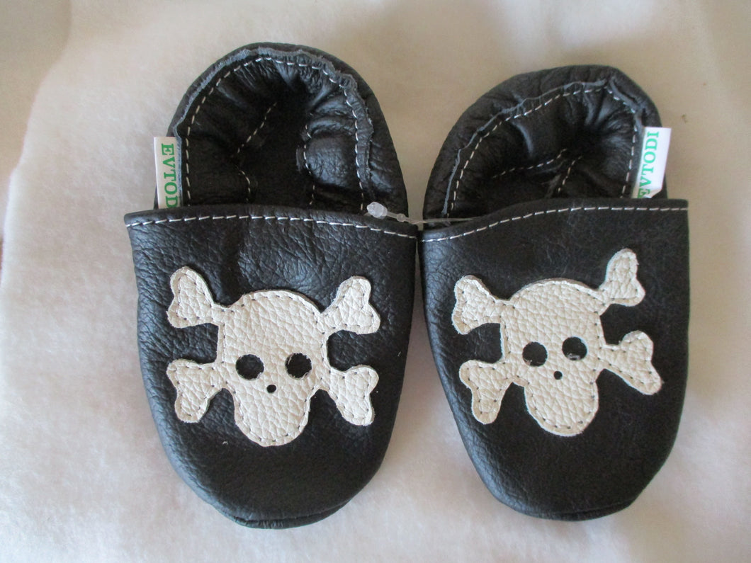 Age: 12-18 Months. Black with White Bones. Sole: Black.