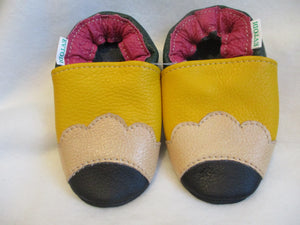 Age: 18-24 Months. Top: Black, Gold, Yellow, Berry, Green. Sole: Black.