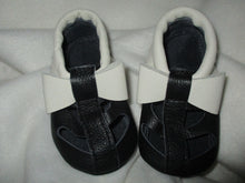 Load image into Gallery viewer, Age/Size: 18-24 Months. Top: Black with White Bow and Fringe. Bottom: Black.