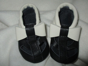 Age/Size: 18-24 Months. Top: Black with White Bow and Fringe. Bottom: Black.
