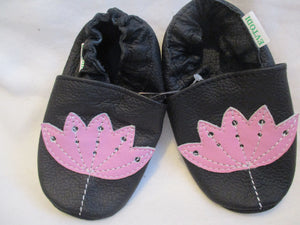 Age/Size: 18-24 Months. Top: Black / Pink Flower.  Sole: Black.