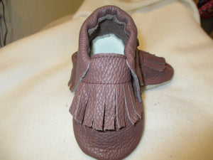 Age/Size: 2 years. Top: Brown with Brown Fringes. Sole: Natural Suede.