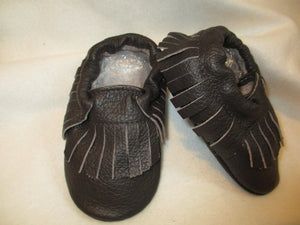 Age/Size: 2 years. Espresso Brown Shoes/ Fringes. Sole: Black.