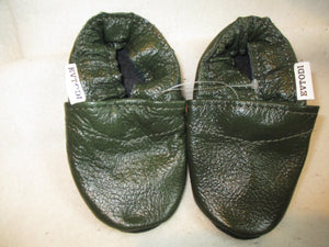 Age/Size:  9-12 Months. Top: Dark Green. Sole: Black.