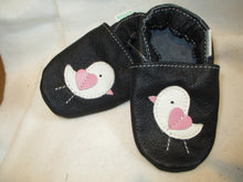 Load image into Gallery viewer, Age/Size: 18-24 Months. Black Shoes.  White Pink Baby Birds. Sole: Black.