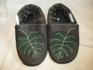 Age/Size: 18-24 Months. Top: Dark Gray / Green Leaf. Sole: Black.