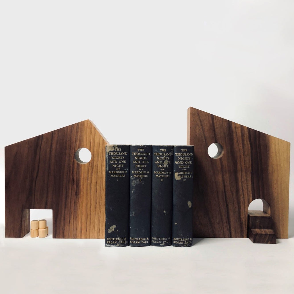 FARM HOUSE BOOK ENDS
