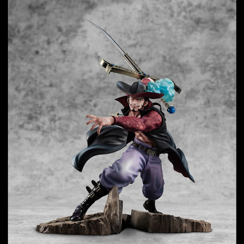 One Piece Mihawk Figure Includes Box And Black Sword Yoru One Piece Anime Figure