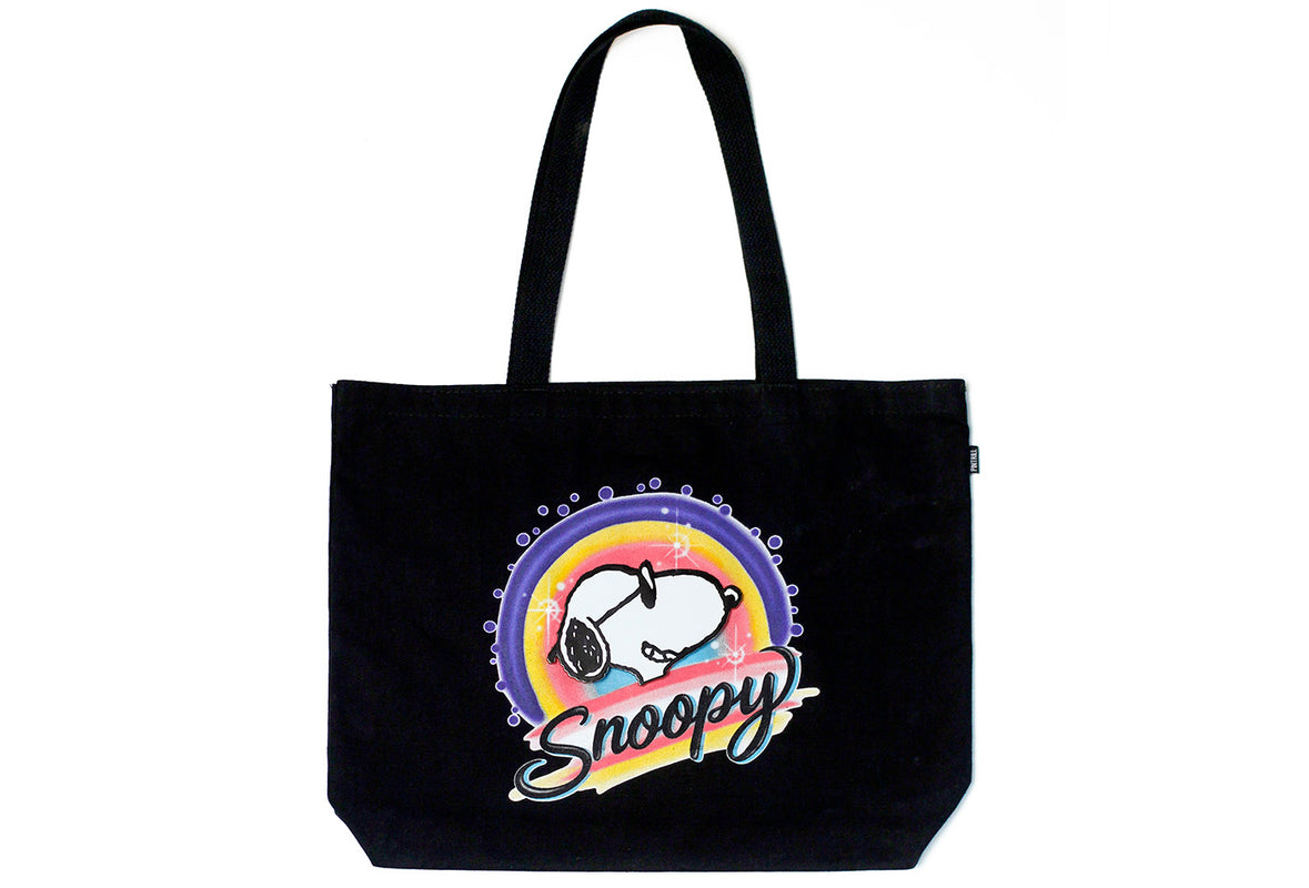 Peanuts - Snoopy Airbrush Tote and Pin