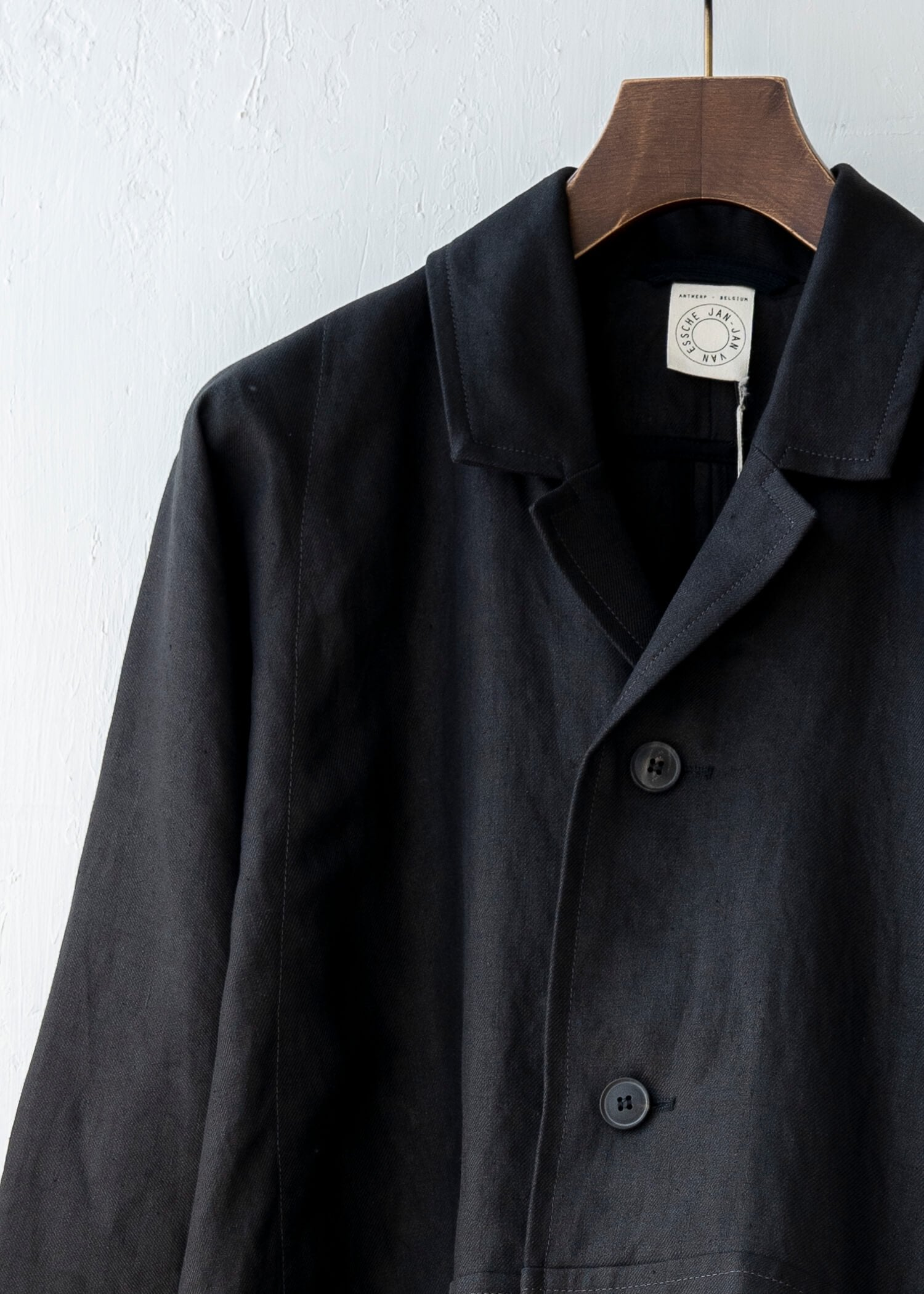 "JAN-JAN VAN ESSCHE / ""COAT#22"" OVERSIZED COAT / BLACK / HEMP TWILL"