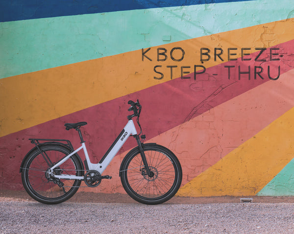 the color of the kbo breeze step thru is chalk white