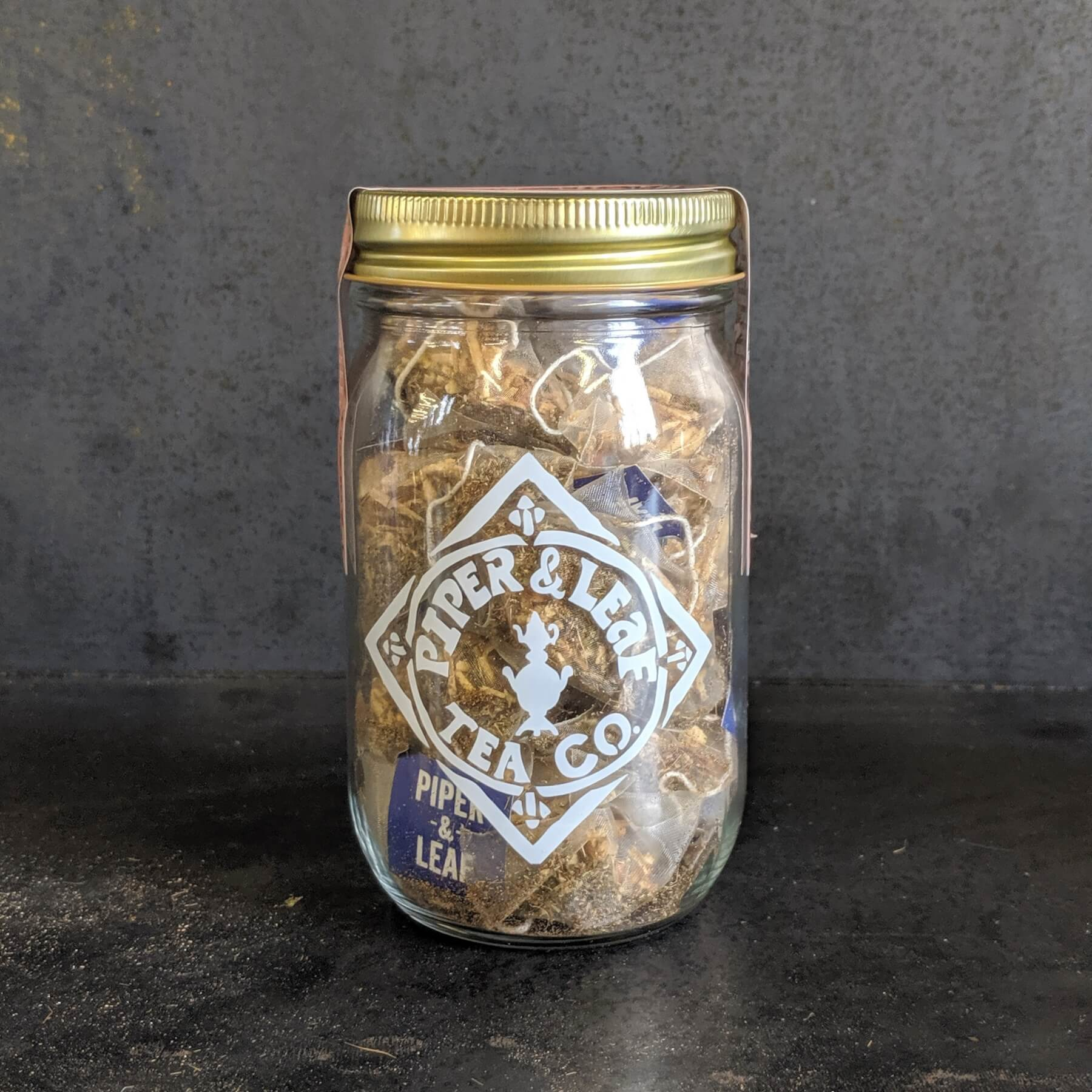 Side view of a Party Pack pint jar of tea bags (Sweetie Pie Chai)