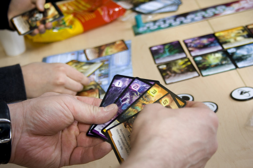 5 reasons to play card games this winter