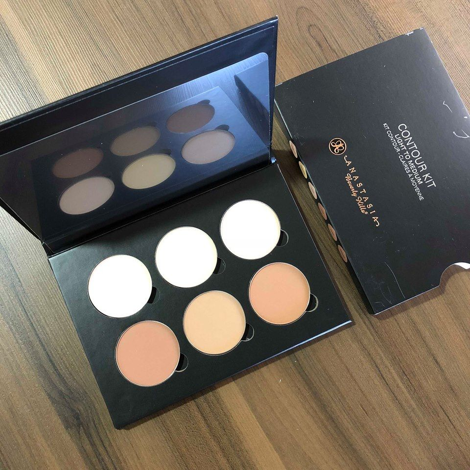 Paletta de contorno em pó Contour Kit Light to Medium, Anastasia Beverly Hills