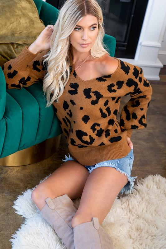 LEOPARD V-NECK SWEATER - Earthy Wares