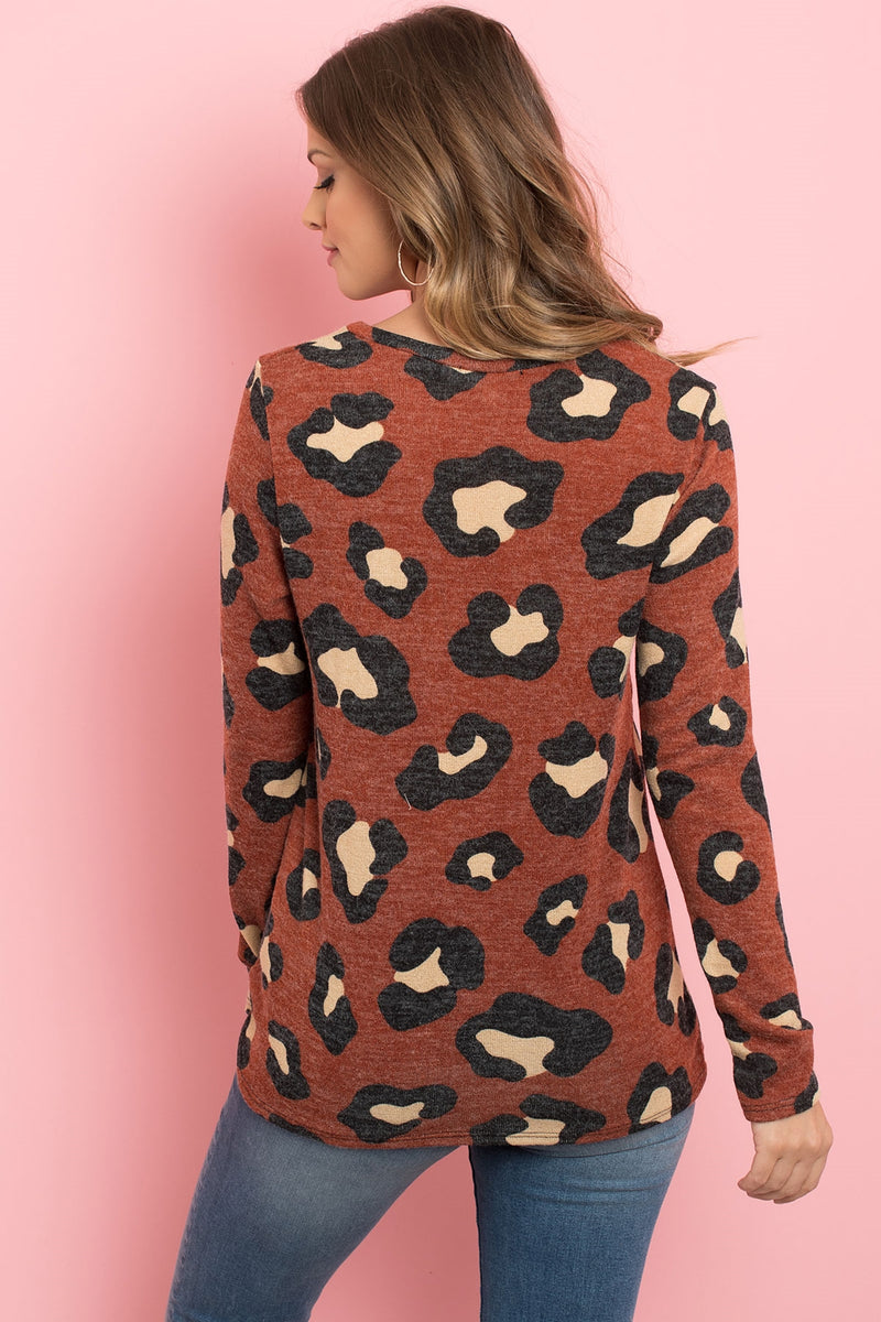 ANIMAL PRINT LONG SLEEVE KNOT TOP