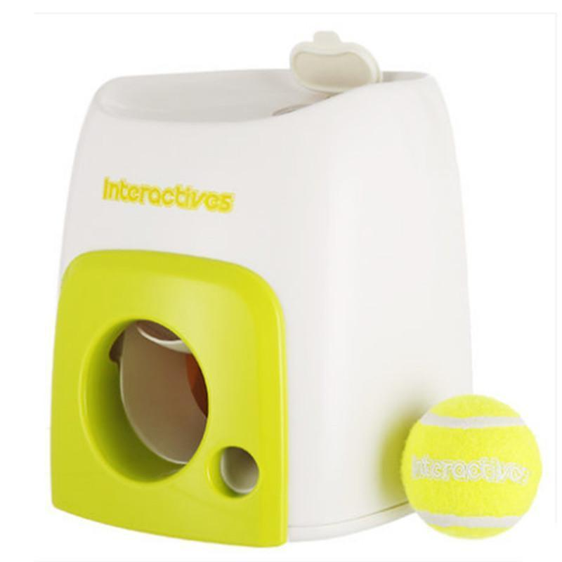 Tennis Ball Luncher - Pets Watching