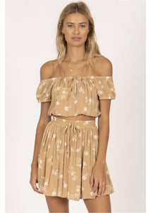 UNDER THE KIWI TREE OFF SHOULDER CROP WVN TOP-LAT
