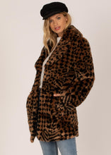 Load image into Gallery viewer, VERA WVN FAUX FUR COAT BLK