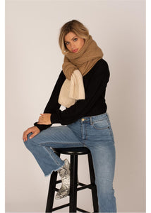COZY UP KNIT SCARF SUR