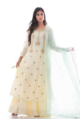 Suits in Cream color with Gota Patti, Pearl, Thread work.