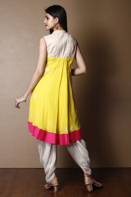 Kurti in Yellow color with Sequins, Thread work.