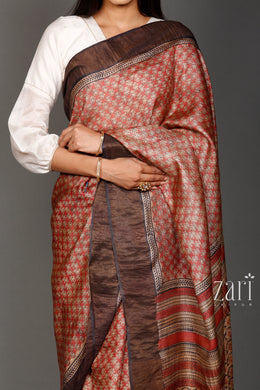 Printed Tussar  Saree with Zari work.