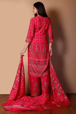 Cotton silk Suit in Pink color with Printed work.