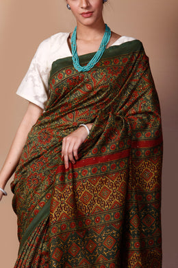 Printed Chanderi Saree in Dark Green color with Dabu, Mukesh Work.