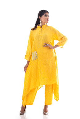 Kurti in Yellow color with Bandhej work.