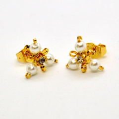 (1-1009-h9) Gold Overlay Triangular Pearl Earrings, 14mm.
