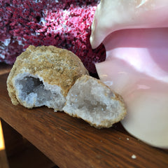 """Break-Your-Own"" Geode"
