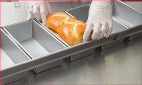 "Bread Loaf Pan 5-Strap 7 1/4""x3 1/2""x2 Chicago Metallic 44575 1/2 lb. Glazed Aluminized Steel $359.70 per case of 6 - Tamirson"