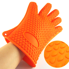 A Pair of Heat Resistant Silicone Gloves - BoardwalkBuy - 4