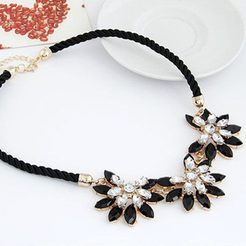 Flower Decoration Choker Necklace - BoardwalkBuy - 1