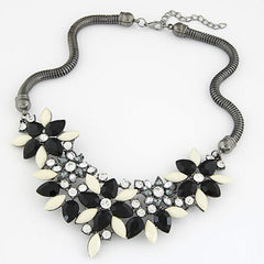 Fabric Acrylic Resin Flower Necklace - BoardwalkBuy - 4