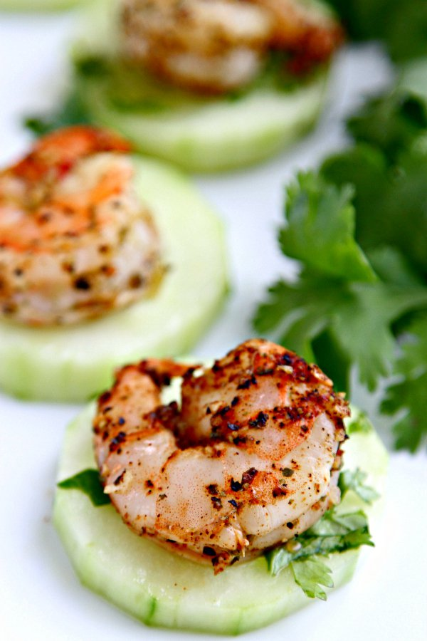 blackened-shrimp-with-cucumbers