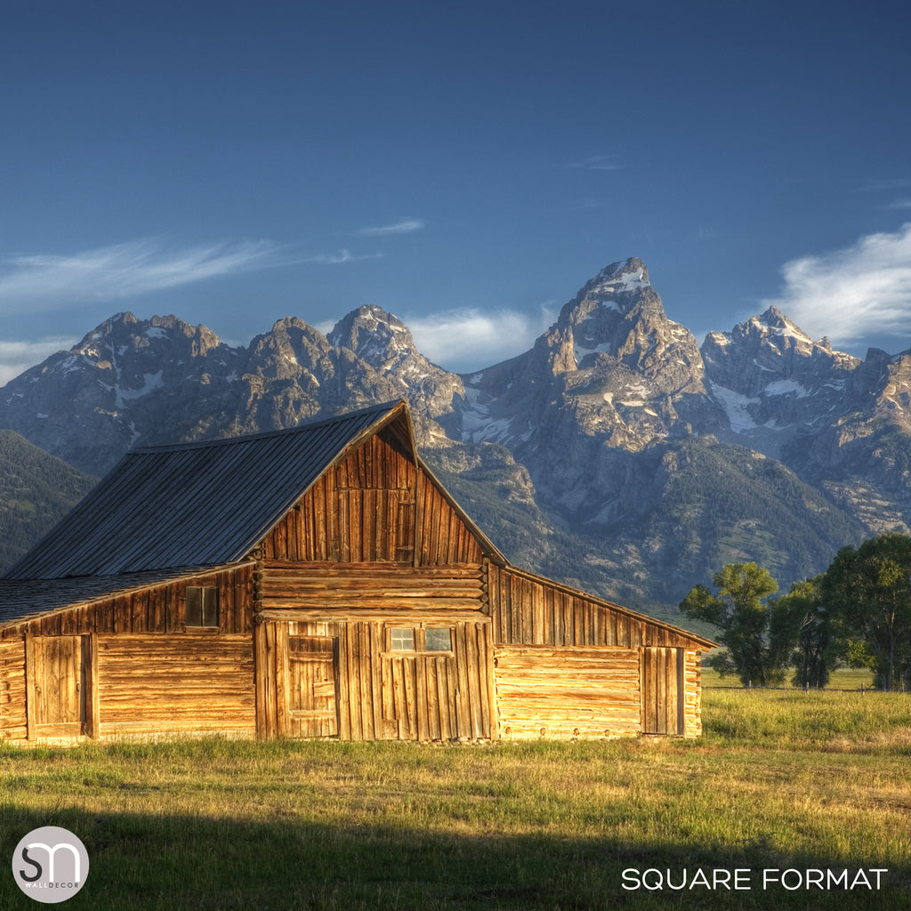 BARN IN THE MOUNTAINS - Wall Mural square format