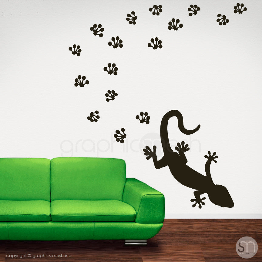 GECKO WITH PAW PRINTS - wall decals black