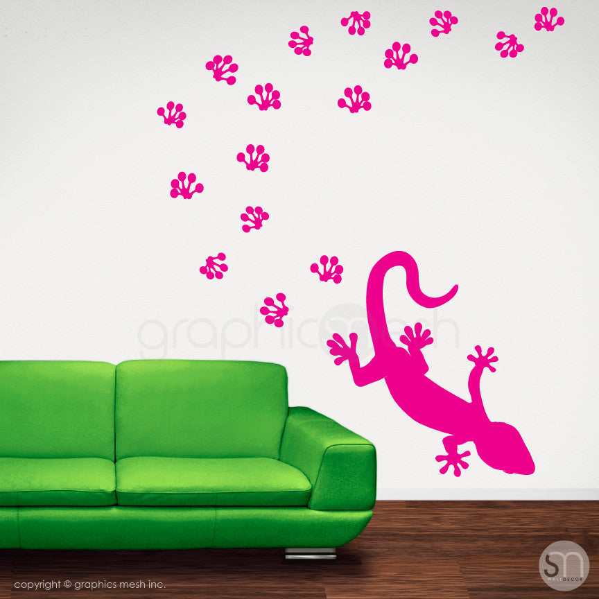 GECKO WITH PAW PRINTS - wall decals hot pink
