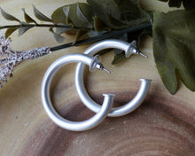Load image into Gallery viewer, Jeanna Hoop Earring - Silver