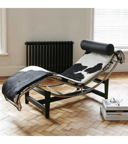 LC4 Corbusier Style Chaise Longue Premium Cowhide Black and White - Onske