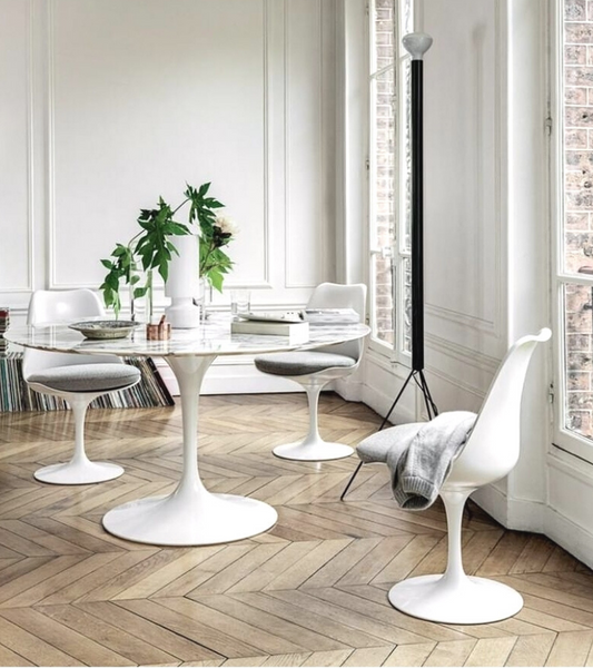 Carrara Marble Tulip Dining Table in Choice of Diameter - Onske