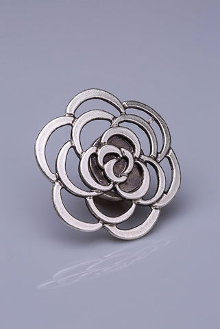 Silver Plated Magnetic Brooch - Kamilia