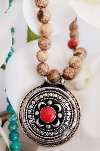 Sandy Beads Red Stone Necklace