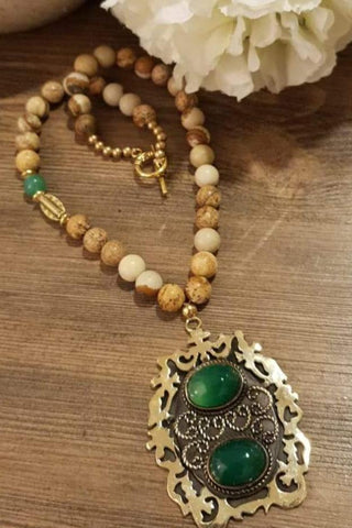 Walnut Beads Green Stones Necklace